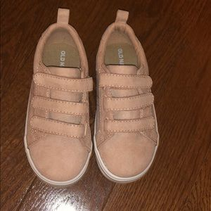 Old Navy Toddler Velcro sneaker
